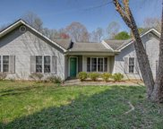 1457 Lewisburg Pointe Drive, Clemmons image