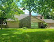 40 Carriage Ln, Roslyn Heights image