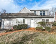 1586 Lakeview Dr, Hewlett image