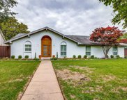 4040 High Summit Drive, Dallas image