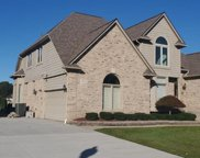 14546 Bournemuth Dr, Shelby Twp image