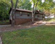 812 Holly Hedge Drive, Lewisville image