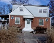 2444 South 19Th Avenue, Broadview image