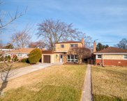 7307 North Kenneth Avenue, Lincolnwood image