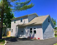 20 Ronek Dr, Amityville image