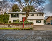 5853 SE SKYHIGH  CT, Milwaukie image