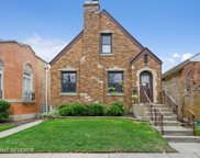 2915 W Greenleaf Avenue, Chicago image