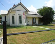 1004 3rd St, Floresville image