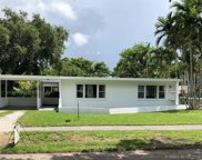 1905 Alamanda Dr, North Miami image