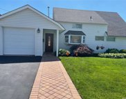 119 Stonecutter  Road, Levittown image
