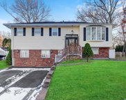 26 Mulberry Dr, Smithtown image