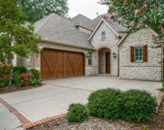 6251 Twin Oaks Circle, Dallas image