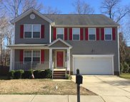 104 Holly Thorn Trace, Holly Springs image