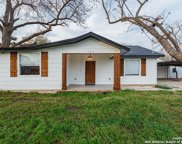562 B West Ave, Poteet image