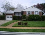 29 Hungry Harbor Rd, Valley Stream image