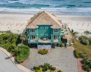 422 Hampton Colony Circle, North Topsail Beach image