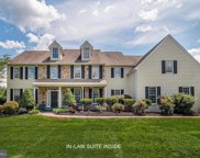 692 Patrick Henry Cir, West Chester image