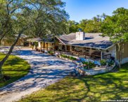 1821 S Cranes Mill Rd, New Braunfels image