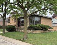 4125 W Estes Avenue, Lincolnwood image