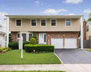 759 Bethlynn Ct, East Meadow image