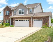 2727 Bluewood  Way, Plainfield image