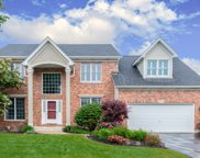 694 Chasewood Drive, South Elgin image