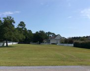 135 Fort Hugar Way, Manteo image