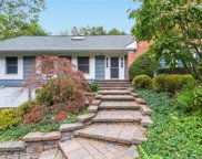 8 Thicket Dr, Cold Spring Hrbr image