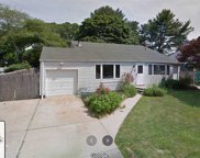 12 Glenwood  Ln, Huntington image