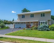 3 Griffin  Place, Greenlawn image