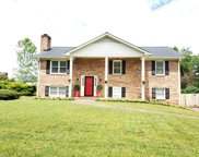 721 Lewisville Clemmons Road, Lewisville image