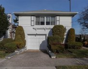 263-15 58th Ave, Little Neck image
