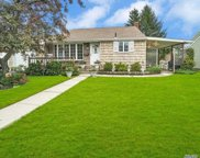 367 Grand Blvd, Massapequa Park image