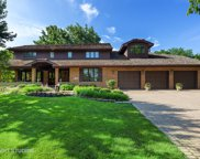 431 Creekside Court, Willowbrook image