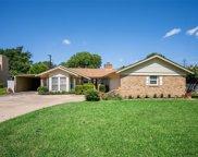 6908 Hallmark Drive S, Fort Worth image