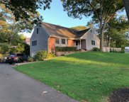 17 Sherry Ln, Selden image