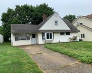 47 Bayberry Ln, Levittown image