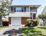 2221 Walsall  St, Seaford image