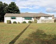 8 FOREST DR, North Haledon Boro image