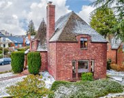 2530 W Viewmont Wy W, Seattle image