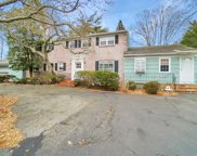 140 S Windsor Ave, Brightwaters image