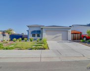 9647 Silver Falls, Shafter image