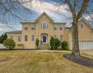 7 Cara Ct, Northfield image