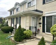 8594 Hampshire Dr, Sterling Heights image