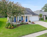 676 Fountain View Dr, Baton Rouge image