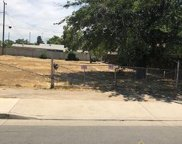 127 e 8 th st, Bakersfield image
