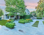 905 Sunset Road, Winnetka image