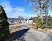 46 Laurelwood  Drive, East Lyme image