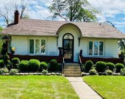 2501 South 12Th Avenue, Broadview image