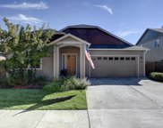 1659 W Carson, Sisters image